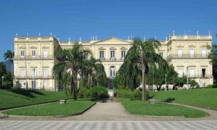 Visite du Musée National du Brésil avant l'incendie de 2018.